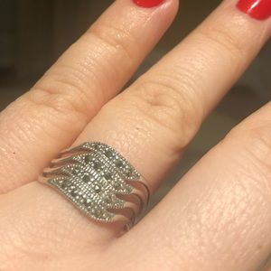 Jewelry - Silver ring size 7 1/4